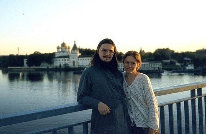 Fr. Daniel and his Matushka Julia. Photo: pravmir.ru