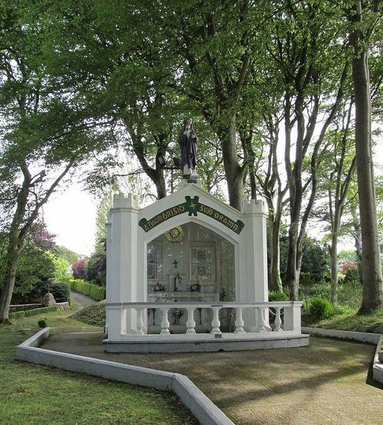 Современный памятник прп. Бригите в Фохарте (источник - Eric Jones, Geograph.ie)