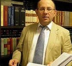 Професор Киријакос Кириазопулос