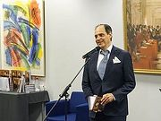 Поэт и драматург Джулиан Генри Лоуэнфельд награжден медалью Пушкина
