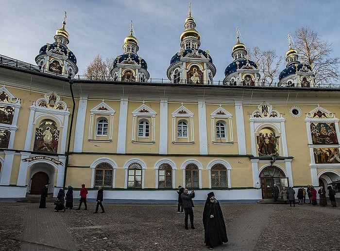 Протоиерей Максим Козлов посетил Псково-Печерский монастырь
