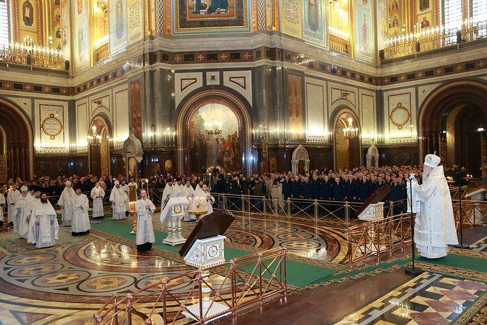 В Москве молитвенно почтили память десантников, погибших в Аргунском ущелье
