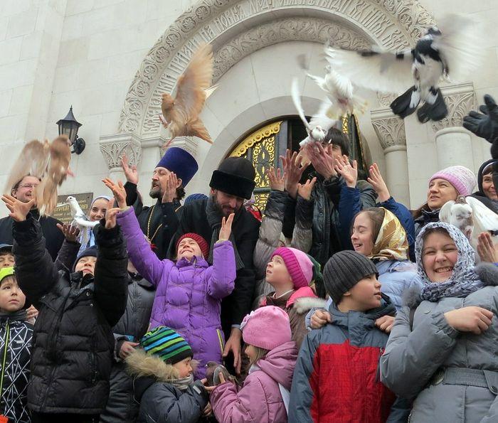 Ευαγγελισμός. Ναός Αγίου Σεραφείμ τού Σαρώφ, Μόσχα. Φωτογραφία: Ελένα Φετίσοβα