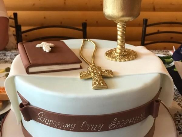 Торт для батюшки
