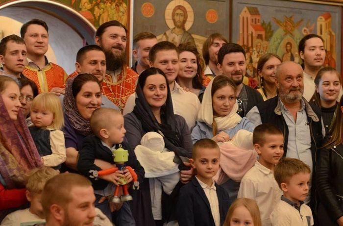 На крещении Дуни