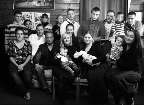 Соколовы в 2012 году, Геннадий и Мария крайние справа (фото Григория Ярошенко)