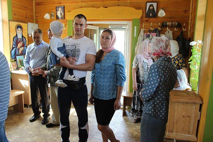 Валерий Романов с семьей в храме Блаженной Ксении Петербургской
