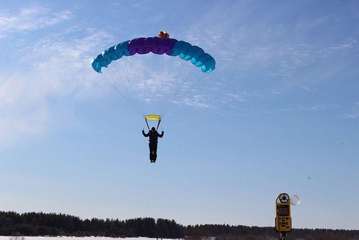 Прыжок с парашютом Лесник-3 Валерия Романова