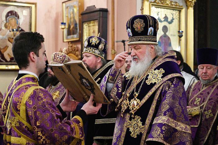 В субботу первой седмицы Великого поста Святейший Патриарх Кирилл совершил Литургию в Покровском монастыре