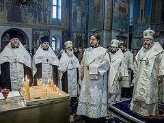В Кемерове молитвенно почтили память жертв пожара в торговом центре «Зимняя вишня»