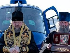 Bishop of Belgorod makes aerial procession across entire Province with relics, wonderworking icons