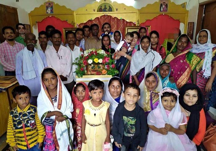 Отец Климент окормляет 7 православных общин по всей Индии. Общее число верующих из коренных индийцев – около 300 человек.