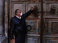 Church of Holy Sepulchre closed for at least one week