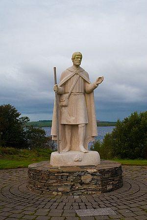 Статуя свт. Патрика рядом с островом Стейшн, Ирландия