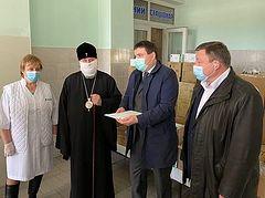 Ukrainian Church donates 100,000 coronavirus tests, more than $3,000 to fight the virus
