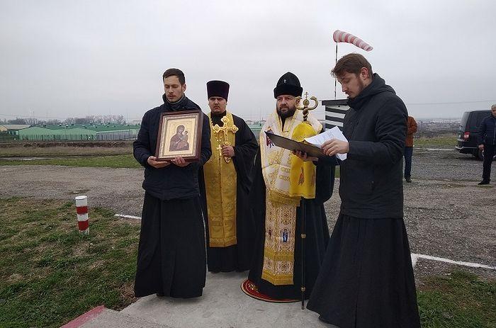 При поддержке Южного военного округа состоялся воздушный крестный ход над территорией Северной Осетии