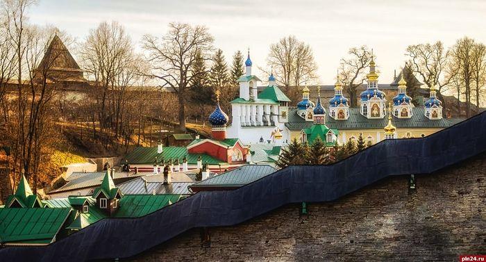 Службы помощи при Псковской епархии организовали поддержку пожилым жителям по всей области