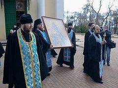 Состоялся объезд вокруг города Калуги с иконой Пресвятой Богородицы «Калужская»