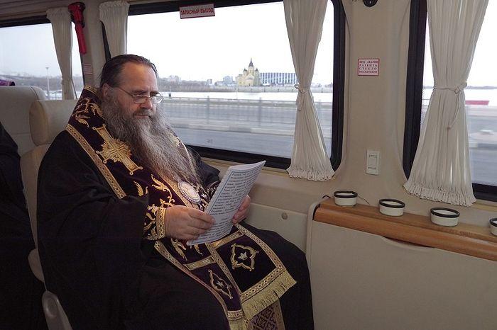 Состоялся автомобильный крестный ход вокруг Нижнего Новгорода с чтимой Владимирской-Оранской иконой Божией Матери