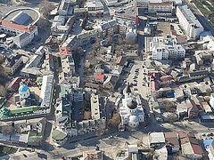 Крымские архиереи и духовенство совершили воздушный крестный ход над полуостровом