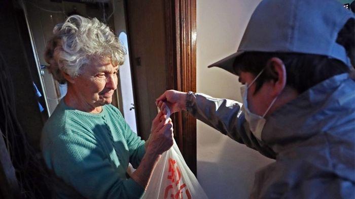Добровольцы Калининградской епархии оказывают помощь пожилым и инвалидам во время режима самоизоляции
