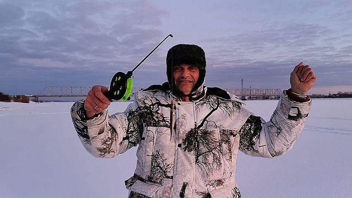В Архангельсе путешественникам посчастливилось выйти на зимнюю рыбалку