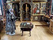 В Великий Пяток Святейший Патриарх Кирилл совершил вечерню с выносом Плащаницы Спасителя