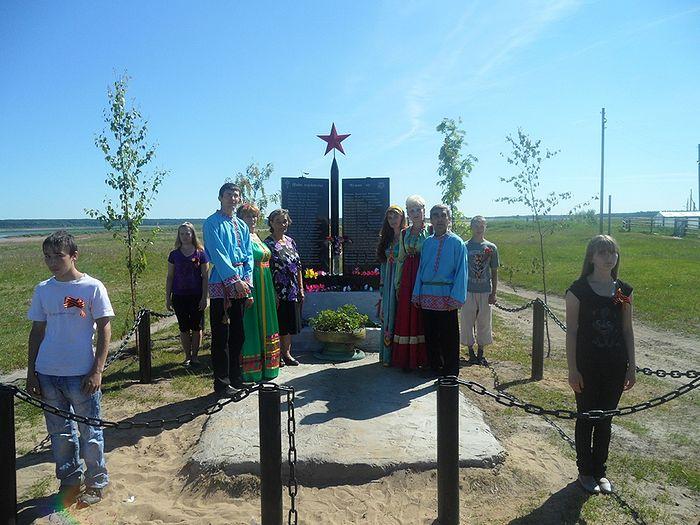В день открытия памятного мемориала в деревне Даниловка 22 июня 2011 года
