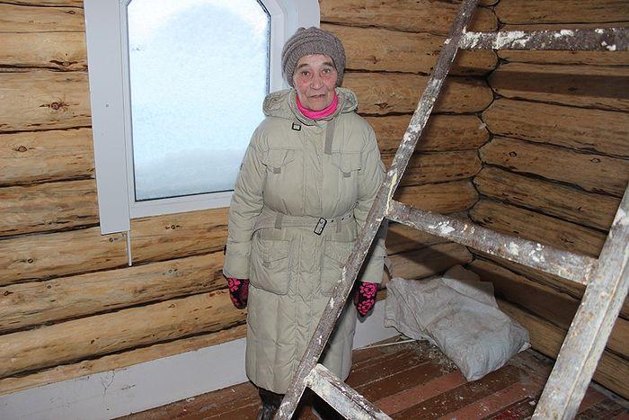 Мария Артеева в часовне деревни Даниловка