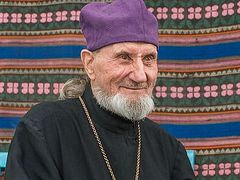 91-year-old Belarusian priest recovers from coronavirus after week in ICU