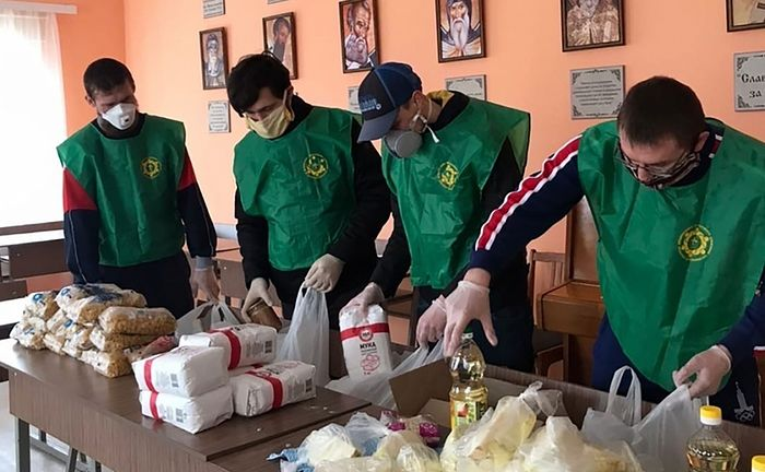 Православная молодежь по всей России оказывает помощь людям, попавшим в сложную ситуацию из-за распространения коронавирусной инфекции