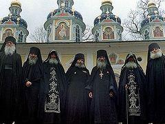 Псково-Печерский монастырь. Монахи-фронтовики