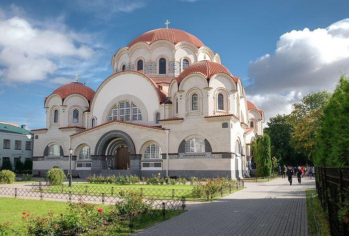 Ιερά Μονή της Αναστάσεως Νοβοντέβιτσι