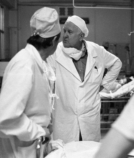 Ο ακαδημαϊκός, καρδιοχειρουργός Μπουρακόβσκιϊ