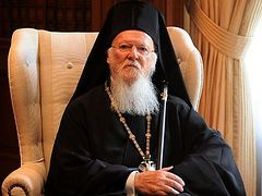 Patriarch Bartholomew contacting Orthodox primates to coordinate on how to serve Holy Communion