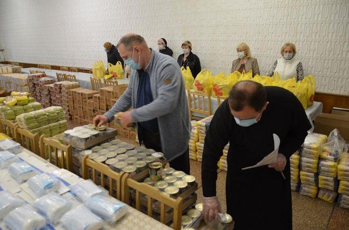 При поддержке Синодального отдела по благотворительности более пяти с половиной тонн продуктов передали нуждающимся в Крыму