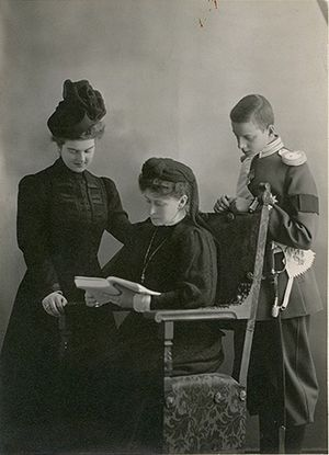 The Grand Duchess Elisabeth Fedorovna with her niece and nephew Maria and Dmitri