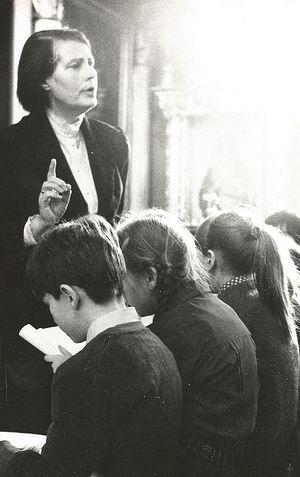 Матушка Нина Аркадьевна преподает в воскресной школе
