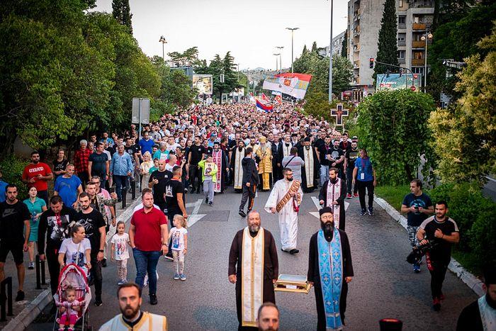 Митрополит Черногорско-Приморский Амфилохий: Крестные ходы продолжатся до отмены закона