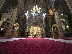 Ρουμανία: Ανοίγουν οι εκκλησίες για τους πιστούς