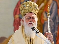 Albanian nationalists call for immediate deportation of Archbishop Anastasios