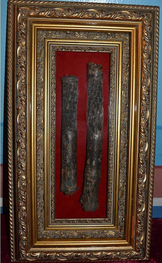 Свечи, которые возгорались у иконы «Знамение» в доме Остапчуков