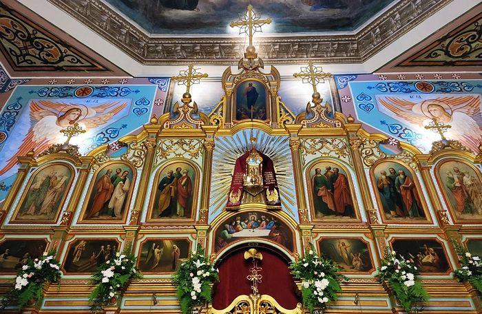 Икона Божией Матери «Знамение» Вилийская над царскими вратами
