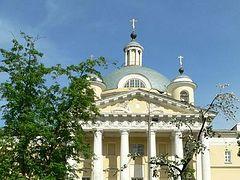 Святейший Патриарх Кирилл поблагодарил выпускников училища сестер милосердия за помощь больным, инфицированным COVID-19