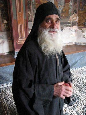 Ο πατήρ Χαράλαμπος από την Ιερά Μονή Δοχειαρίου