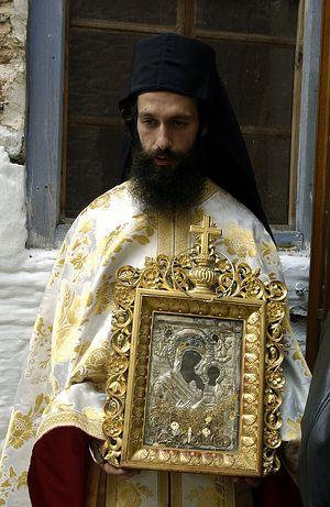 Ο πατήρ Χαρίτων από την Ιερά Μονή Δοχειαρίου