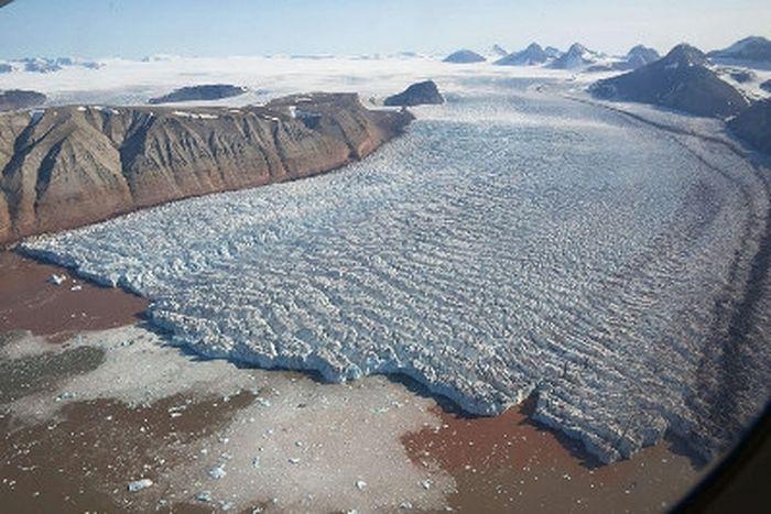 Ледник на Шпицбергене. Фото: qil.ru