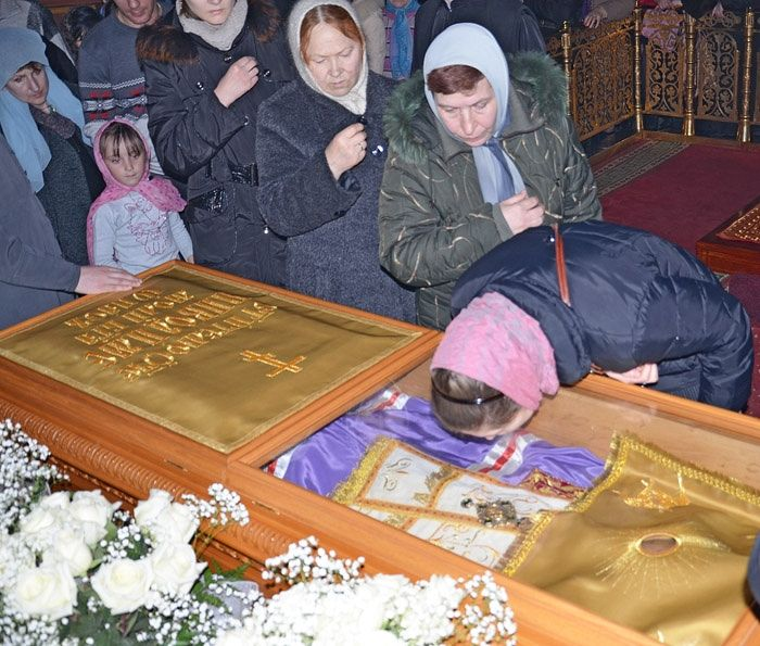 У гроба сщмч. Никодима Белгородского. 23 марта 2013 г.
