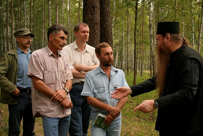 "Meeting of Bishop Agapit with the searchers of the military-historical club, ""Mountain Shield"". Left to right: L. G. Vokhmyakov, S. N. Malinnikov, N. B. Neiumin, S. O. Plotnikov. August 21, 2007."