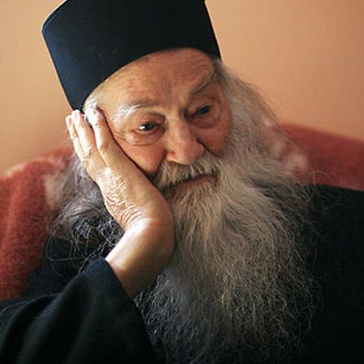«Отчаянье – для человека, прикипевшего к материальному»